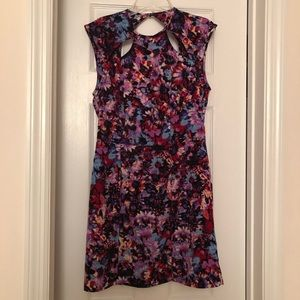 ONE OF A KIND Nasty Gal Open Back Floral Dress S